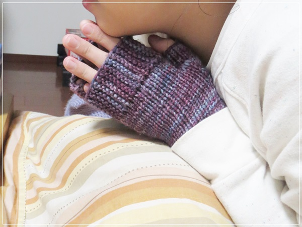 Camp Out fingerless mitts for はっち