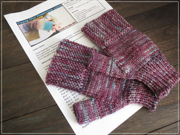 Camp Out fingerless mitts for me