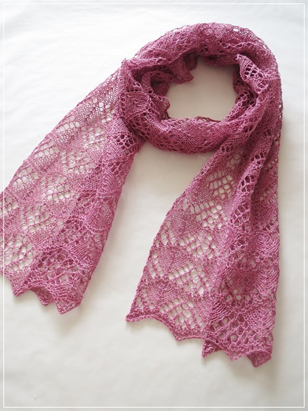 Ullcentrum Linen で Three Sisters Scarves # Two
